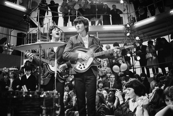 ジョージ・ハリスン「Round The Beatles」:写真・画像(12)[壁紙.com]
