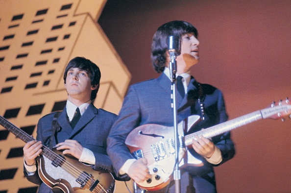 Bass Guitar「Beatles In America」:写真・画像(0)[壁紙.com]