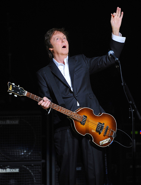 SIRIUS XM Radio「Paul McCartney Plays the World Famous Apollo Theater for the First Time, Celebrating 20 Million Sirius XM Subscribers」:写真・画像(19)[壁紙.com]