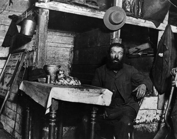 Slum「Jewish Cobbler」:写真・画像(2)[壁紙.com]