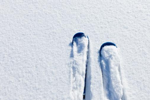 スキー「パウダースノーでのスキー」:スマホ壁紙(5)