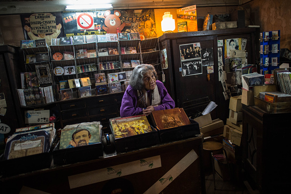 Waiting「Due To Spanish Law Changes Traditional Small Businesses Are In Danger Of Closure」:写真・画像(18)[壁紙.com]