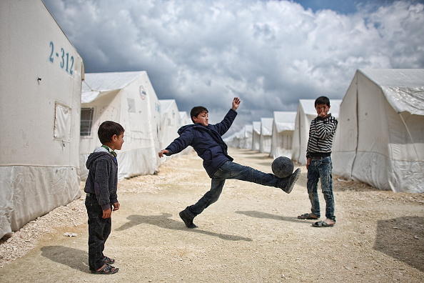 Refugee Camp「Syrian Refugees Seek Shelter In Turkish Camps」:写真・画像(7)[壁紙.com]