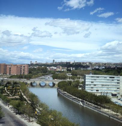 Ferrari「Madrid in the sixties. Manzanares river.」:スマホ壁紙(10)