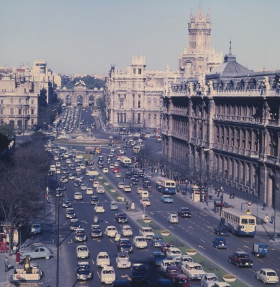 Ferrari「Madrid in the sixties. Alcala street.」:スマホ壁紙(2)
