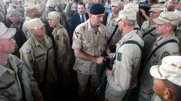 Bagram「General Franks Visits the Bagram Air Base in Afghanistan」:写真・画像(10)[壁紙.com]