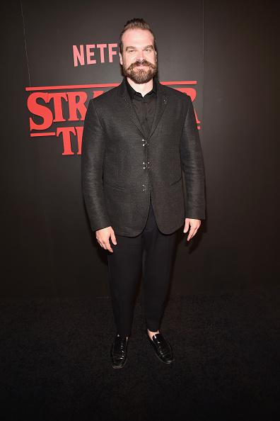 俳優「Premiere Of Netflix's 'Stranger Things' - Arrivals」:写真・画像(14)[壁紙.com]