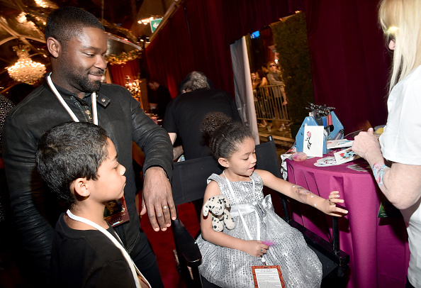 """El Capitan Theatre「The World Premiere Of Disney's Live-Action """"Beauty And The Beast""""」:写真・画像(10)[壁紙.com]"""