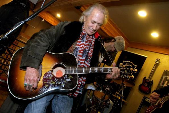 Entertainment Tonight「UT: Gibson Guitar And Entertainment Tonight Celebrity Hospitality Lodge Wednesday」:写真・画像(4)[壁紙.com]