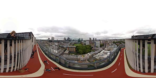 Urban Skyline「London's Highest Outdoor Running Track Unveiled At White Collar Factory」:写真・画像(17)[壁紙.com]