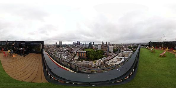 Urban Skyline「London's Highest Outdoor Running Track Unveiled At White Collar Factory」:写真・画像(18)[壁紙.com]