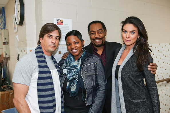 Four People「Days of Our Lives Makes Donation To The Genesis House Women's Shelter in Detroit」:写真・画像(17)[壁紙.com]