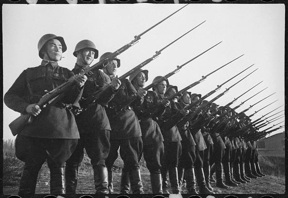 Max Penson「Red Army Men」:写真・画像(0)[壁紙.com]