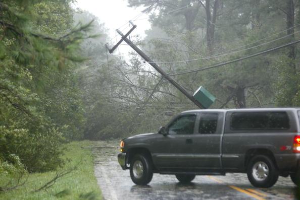 Wind「Hurricane Isabel Slams Into U.S. East Coast」:写真・画像(8)[壁紙.com]