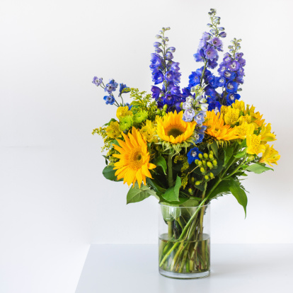 Bunch「Bunch of colorful flowers in vase」:スマホ壁紙(18)