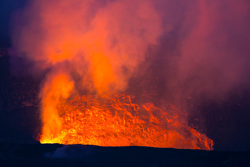 Hell「Crater pit of Halemaumau in Volcanoes Park, HI」:スマホ壁紙(8)