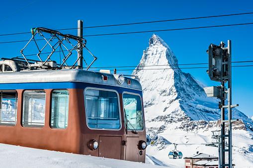 Ski Resort「Train at Gornergrat cog railway, Switzerland」:スマホ壁紙(9)
