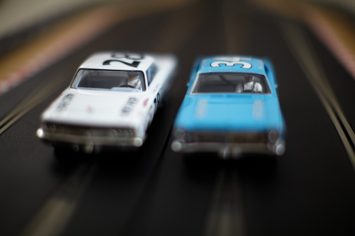 Motorsport「Two vintage Nascar slot cars racing.」:スマホ壁紙(10)