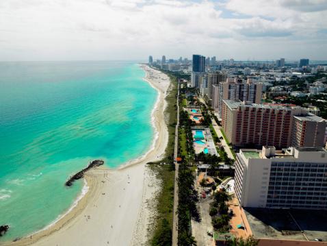 Miami Beach「USA, Florida, aerial view of Miami Beach」:スマホ壁紙(16)