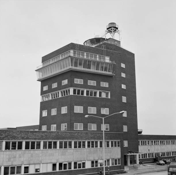 Heathrow Airport「Heathrow Control Tower」:写真・画像(2)[壁紙.com]