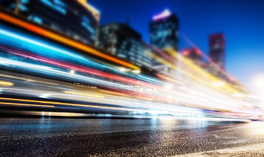 Social Issues「City traffic at night」:スマホ壁紙(6)