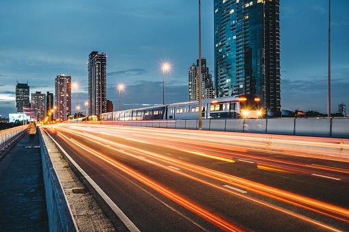City Street「city traffic with car light trail in Bangkok」:スマホ壁紙(18)
