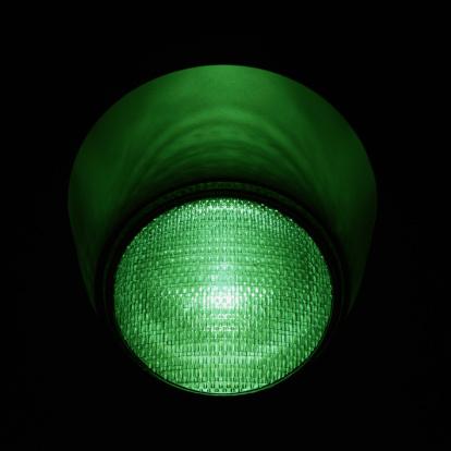 Square「Stoplight with Green Light Illuminated」:スマホ壁紙(18)