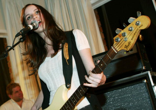 Penthouse「The Young Hollywood Awards Countdown Party - Inside」:写真・画像(3)[壁紙.com]
