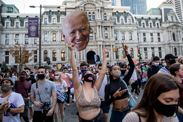 Winning「Supporters Of Joe Biden Celebrate Across The Country, After Major Networks Project Him Winning The Presidency」:写真・画像(10)[壁紙.com]