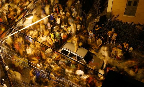 Blurred Motion「Rio Carnival 2014」:写真・画像(11)[壁紙.com]