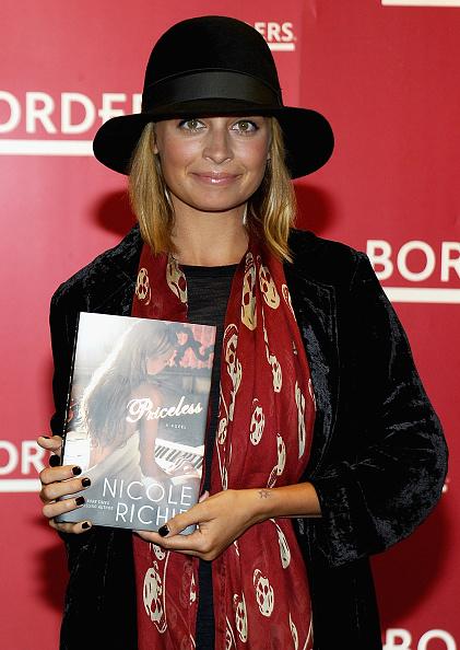 "Alexander McQueen - Designer Label「Nicole Richie Signs Copies Of ""Priceless"" - September 28, 2010」:写真・画像(18)[壁紙.com]"