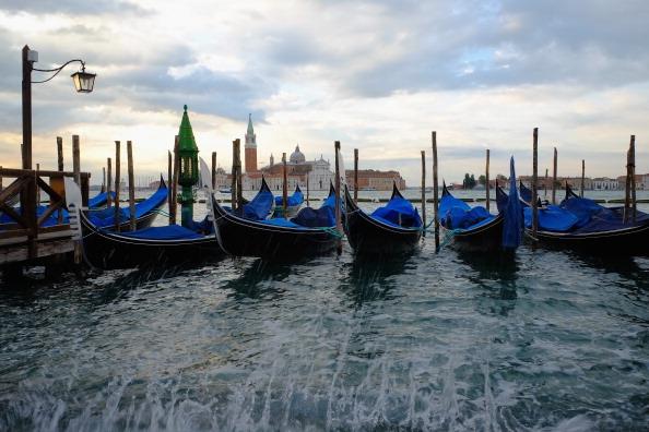 San Marco Quarter「First High Tide Of Autumn Hits Venice」:写真・画像(3)[壁紙.com]