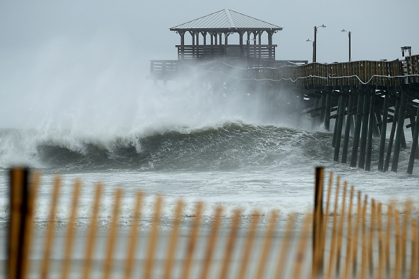 Wave - Water「Carolinas Prepare As Hurricane Florence Approaches」:写真・画像(14)[壁紙.com]