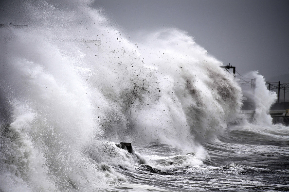 Wave - Water「Storm Callum Makes Landfall In The UK」:写真・画像(0)[壁紙.com]