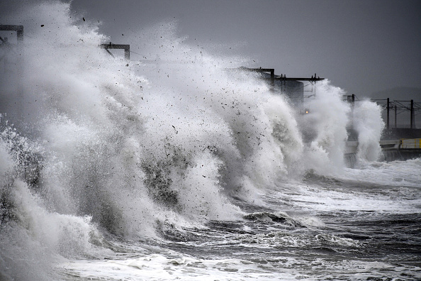 Wave - Water「Storm Callum Makes Landfall In The UK」:写真・画像(10)[壁紙.com]