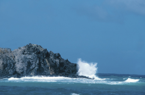 French Overseas Territory「Waves crashing on rocky shore of Martinique」:スマホ壁紙(16)