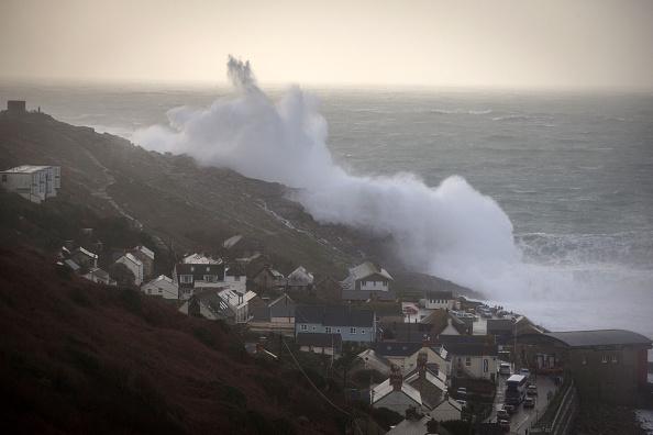 Lands End - Cornwall「Storm Imogen Sweeps The South Of England」:写真・画像(12)[壁紙.com]