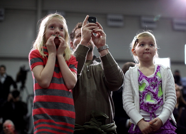 Justin Sullivan「Republican Presidential Candidate Mitt Romney Campaigns In Michigan Ahead Of State's Primary」:写真・画像(0)[壁紙.com]