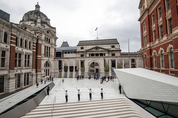 Carl Court「The V&A Museum Preview Their New Porcelain Courtyard」:写真・画像(13)[壁紙.com]
