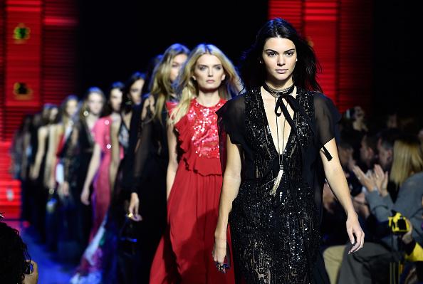 Lily Donaldson「Elie Saab : Runway - Paris Fashion Week Womenswear Spring/Summer 2016」:写真・画像(18)[壁紙.com]