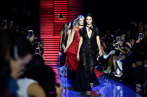 Lily Donaldson「Elie Saab : Runway - Paris Fashion Week Womenswear Spring/Summer 2016」:写真・画像(8)[壁紙.com]