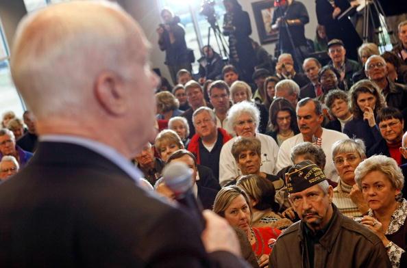 Florence - South Carolina「John McCain Campaigns In South Carolina」:写真・画像(9)[壁紙.com]