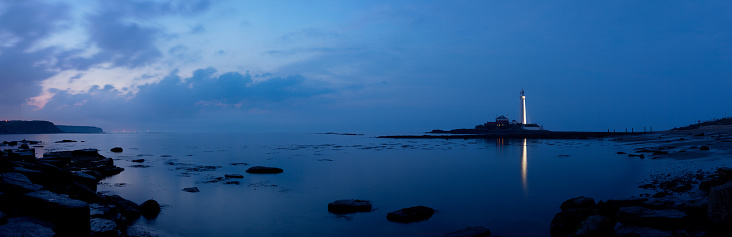 Coastline「Saint Mary's Lighthouse, Whitley Bay in the distance」:スマホ壁紙(18)