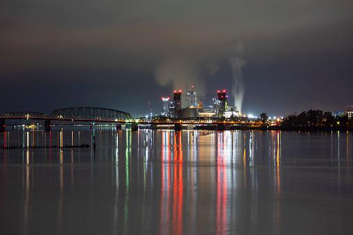 Columbia River「Vancouver Washington night cityscape.」:スマホ壁紙(13)