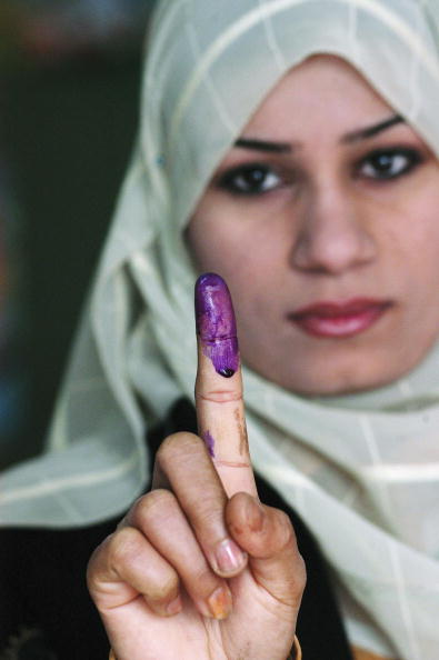 Focus On Foreground「Residents Of Baghdad Go To The Polls」:写真・画像(3)[壁紙.com]