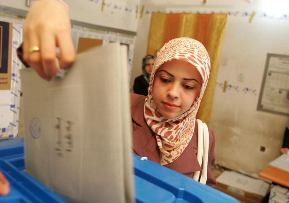 Baghdad「Iraqis Cast Votes In General Elections」:写真・画像(2)[壁紙.com]