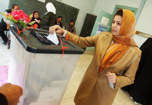 Sadr City「Iraqis Go To The Polls For Parliamentary Elections」:写真・画像(14)[壁紙.com]
