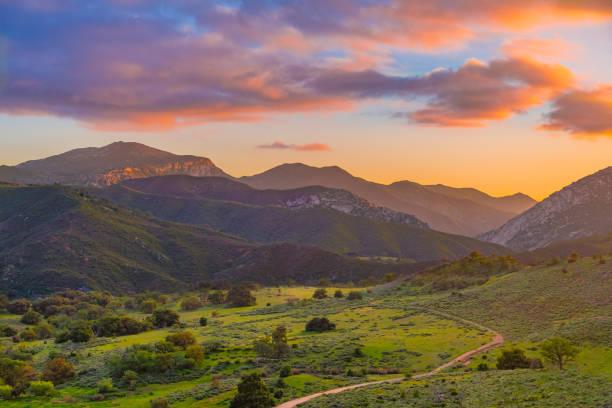 Palomar Mountain Valley glows in sunset:スマホ壁紙(壁紙.com)