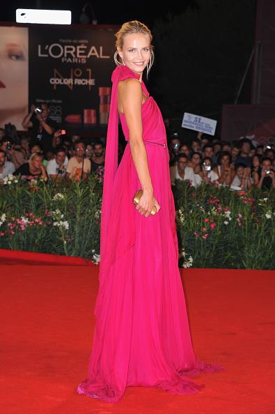 """Halter Top「""""W.E."""" Premiere - 68th Venice Film Festival」:写真・画像(8)[壁紙.com]"""