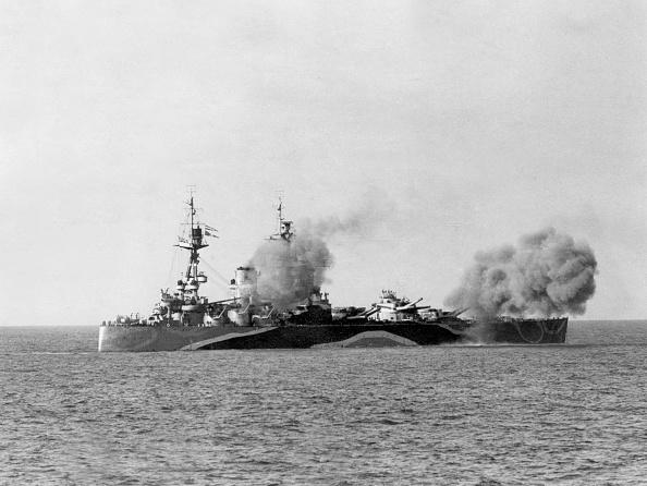 Ship「English battleship HMS Rodney built in 1922 which sank the german ship Bismarck in 1941」:写真・画像(15)[壁紙.com]